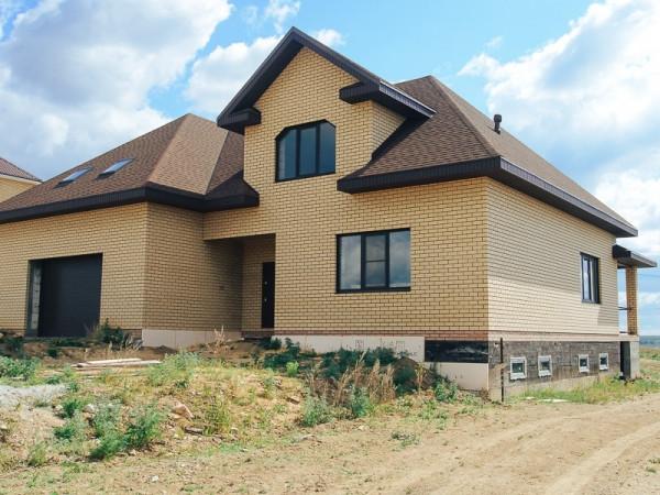 Двухэтажный жилой дом из пеноблока на 256 кв.м